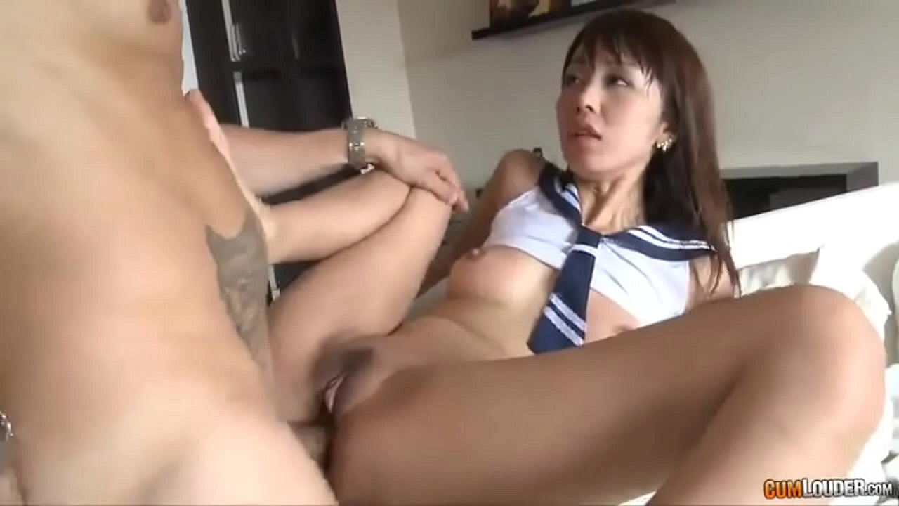 Young lesbian threesome